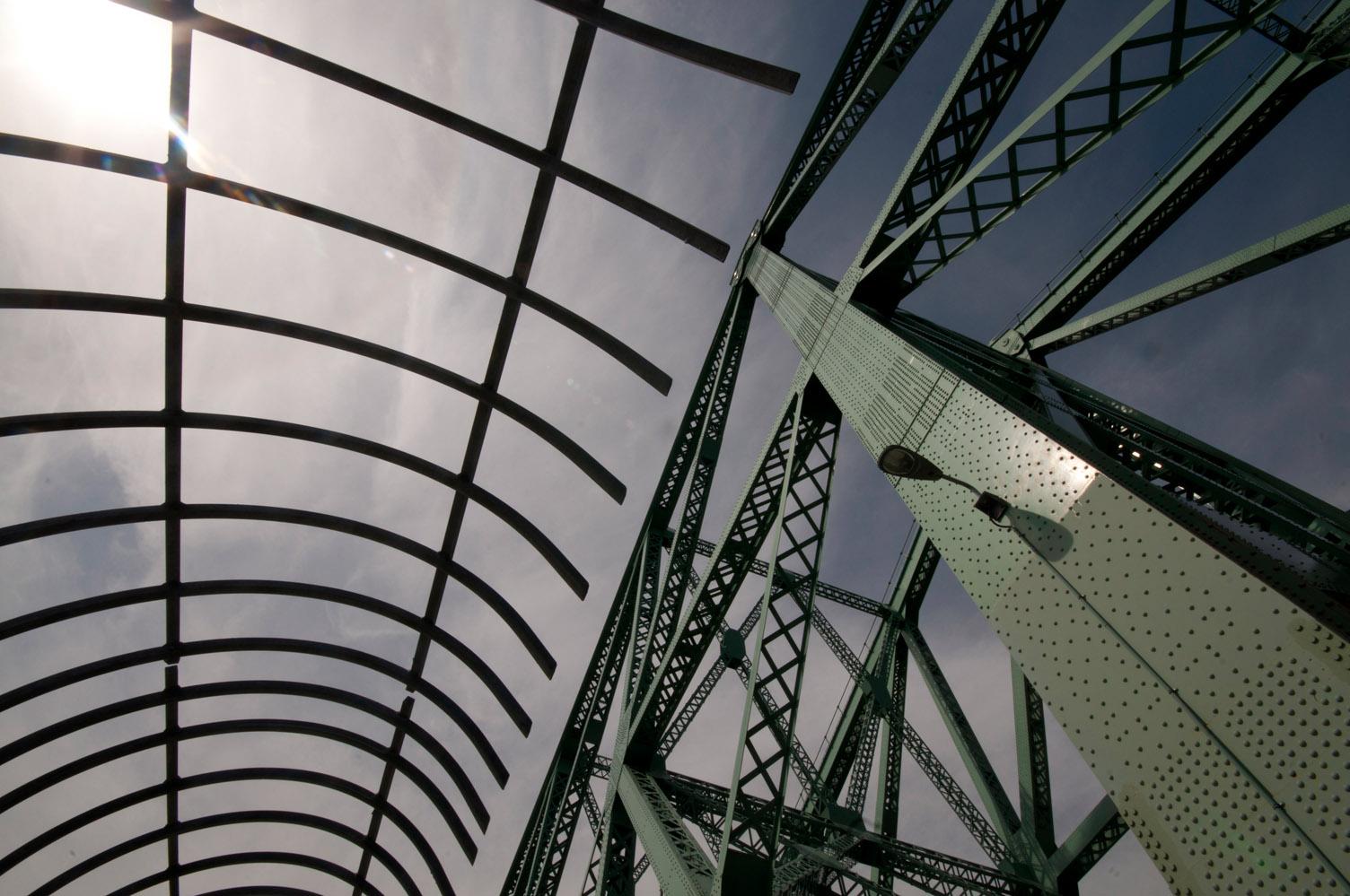 Mass of metal, Pont Jacques Cartier, Montreal