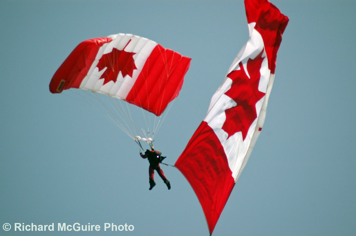 Parachutist, Canada Day, in the capital