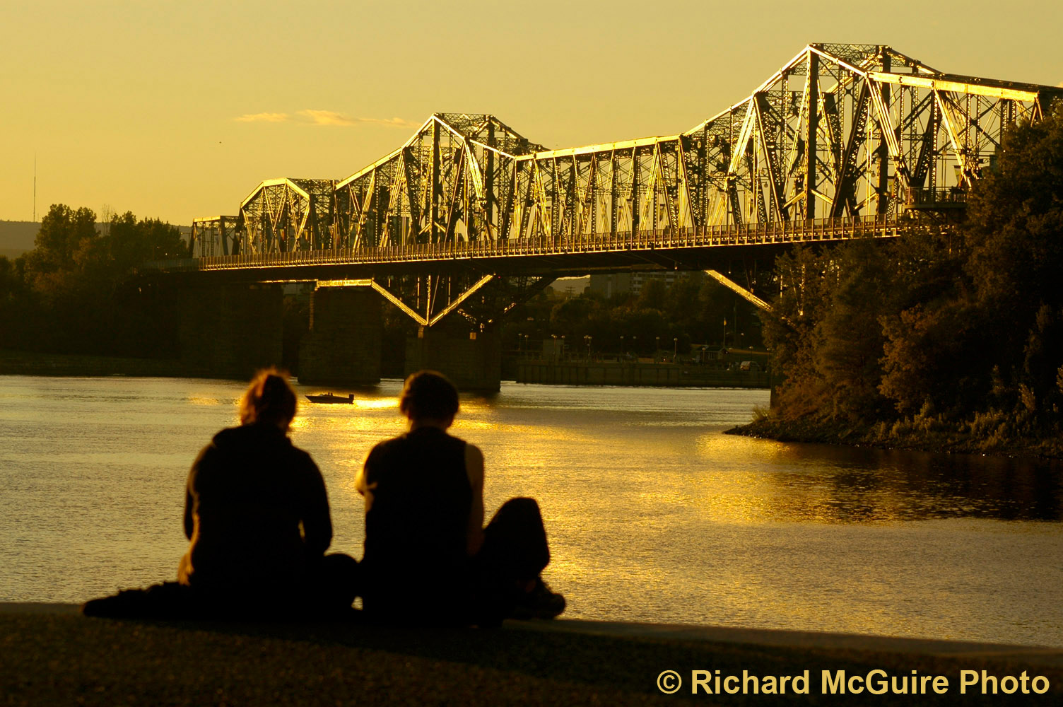 Alexandra Bridge, Ottawa, at sunset